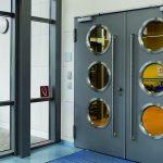 Dvojkrídlové dvere s presklením